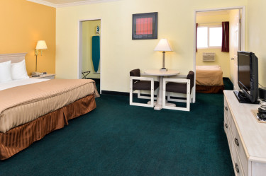 Anaheim America 39 S Best Value Inn Suites Disneyland Resort