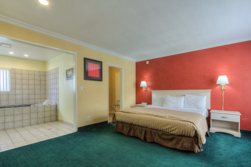 Best Value Inn Anaheim Jacuzzi Suite