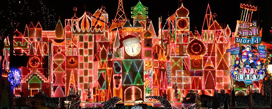 enjoy tons of holiday festivities at disneyland this winter americas best value inn suites anaheim - Disneyland Christmas Decorations